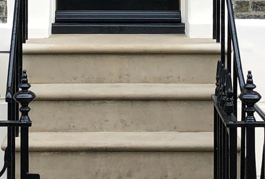 Bullnose steps photo, London